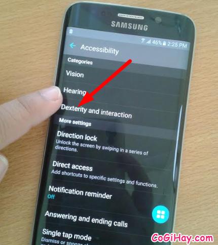 Vào Dexterity and interaction để cài mở khóa màn hình cho Samsung Galaxy S6 EDGE