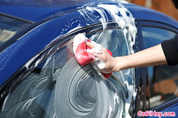 Hướng dẫn rửa xe ô tô tại nhà - Có nên rửa xe bằng nước mưa không ? + Hình 3